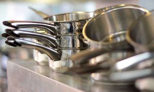 Как очистить сковороду от нагара, проверенные способы
