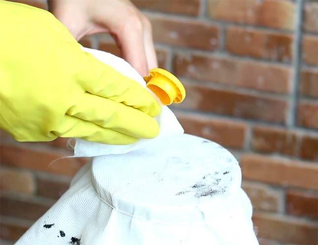 очищение силиконового герметика с помощью спирта