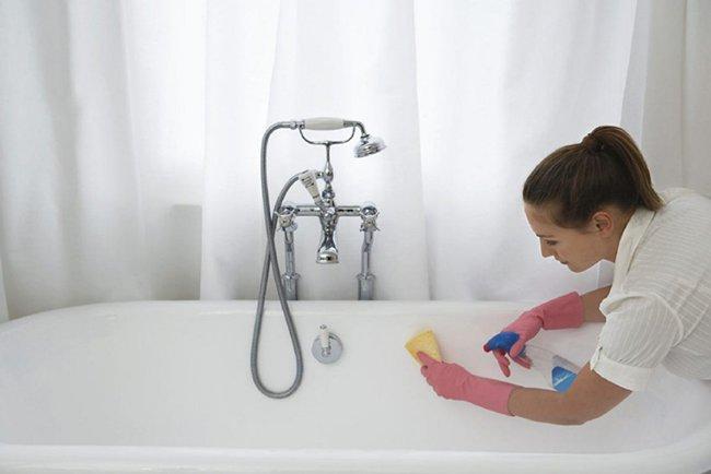 чистим акриловую ванну чистящими средствами