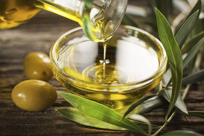 отстирать оливковое масло с одежды