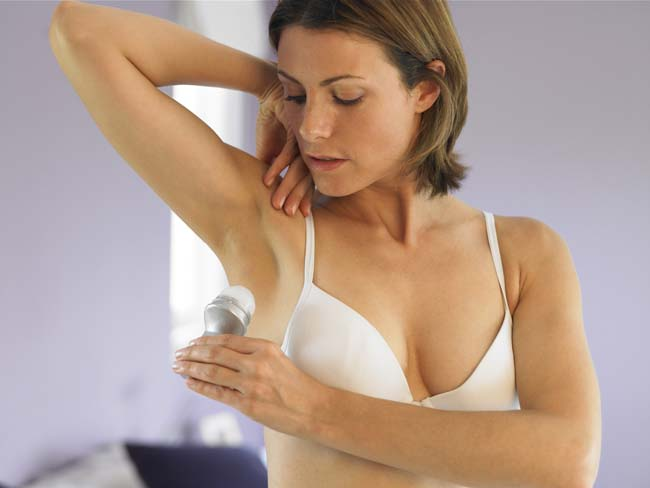 использование твёрдого дезодоранта от запахов пота