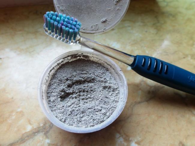 зубной порошок как средство для удаления пятен