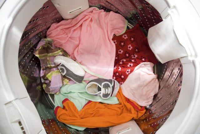 детское белье в стиральной машине
