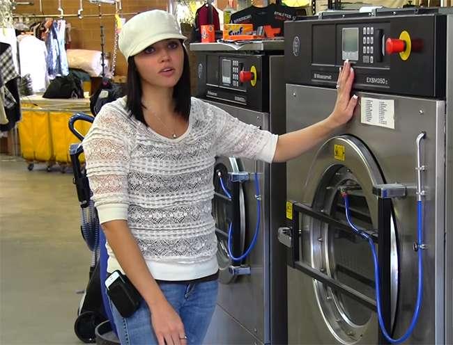стираем бархатное платье в стиральной машине