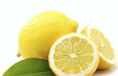 лимон поможет отбелить кроссовок от пятен