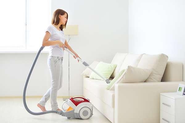 с помощью моющего пылесоса можно удалить запах мочи