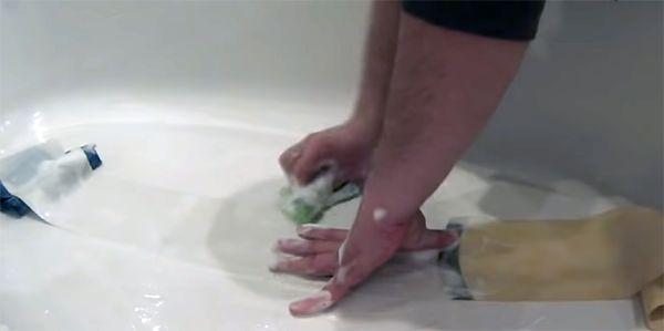 стираем жалюзи руками