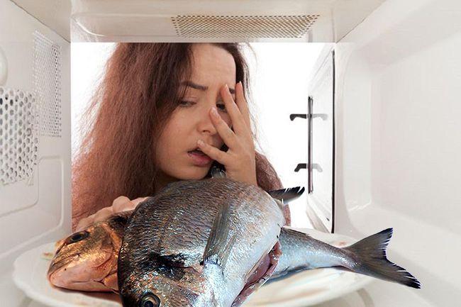 как убрать запах рыбы в микроволновке